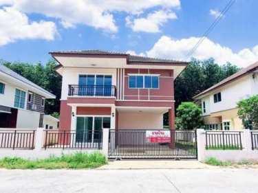 ขายบ้านเดี่ยวหลังใหญ่ หมู่บ้านสาธิตวิลล์ ศรีราชา ชลบุรี (เจ้าของขายเอง) ทำเลดี ลมเย็นสบาย เพื่อนบ้านดี โทร : 096-5624987, 086-7445351